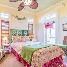 Would you like to design the perfect modern master bedroom? Do you find that you have plenty of space to … Beach Bedroom Decor, Bedroom Themes, Bedroom Ideas, Beach Cottage Style, Beach Cottage Decor, Coastal Style, Nautical Style, Cottage Ideas, Coastal Decor