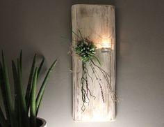 Sie suchen etwas Außergewöhnliches für Ihre Wand – etwas einzigartiges? Wir dekorieren alte Hölzer, Kokosblätter und Materialien aus der Natur mit Edelstahl, Glas und edlen Beigaben!