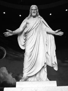 jesus christ. statue.