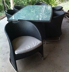 Outside table and chair nicee