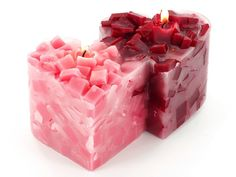 Try this fun double heart chunk candle project for a beautiful Valentine gift or décor! #valentine #hearts #DIY #candlemaking