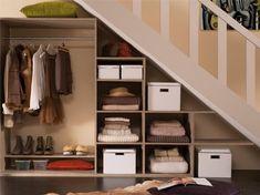 Leroy Merlin - Comment créer un dressing sous escalier Mesures et mode d'emploi