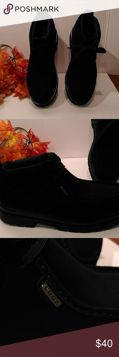 Lutz Strutts Ankle Boot Men's Lugz Strutts, Black, suede, slip resistant, euc, memory foam, lace ups. Lugz Shoes Boots