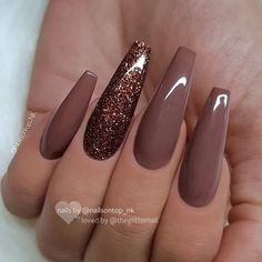 30 Thanksgiving Nail Art Ideas to Set Major Mani Goals Set mani goals for the festive season with these fancy and fascinating Thanksgiving Nail art ideas. Check out best Thanksgiving Nails and fall nails here. Fall Acrylic Nails, Acrylic Nail Designs, Nail Art Designs, Fall Nails, Nails Design, Winter Nails, Brown Nail Designs, Acrylic Colors, Acrylic Nails Coffin Matte