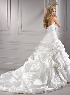 AMAZING back of a Maggie Sottero...LOVE the DRAMA!
