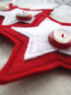 felt star ornaments. So want to try these!