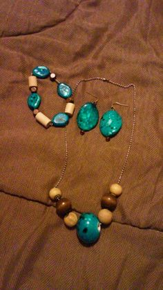 Pretty set with Aqua and Brown   937-901-1154