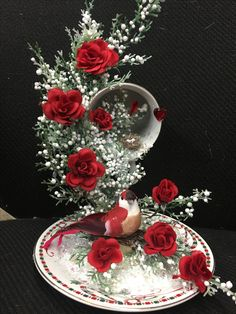 Floating glass cup and saucer adorned with red roses and baby's breath. Tea Cup Art, Tea Cups, Crafts To Make, Arts And Crafts, Diy Crafts, Christmas Crafts, Christmas Decorations, Christmas Ornaments, Cup And Saucer Crafts