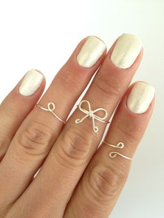 3 Midi Rings Dainty Bow Simple Circle and by MyRingsAndThings Nail Designs Spring, Cool Nail Designs, Double Dot, Copper And Pink, Super Nails, Dots Design, Knuckle Rings, Spring Nails, Fun Nails