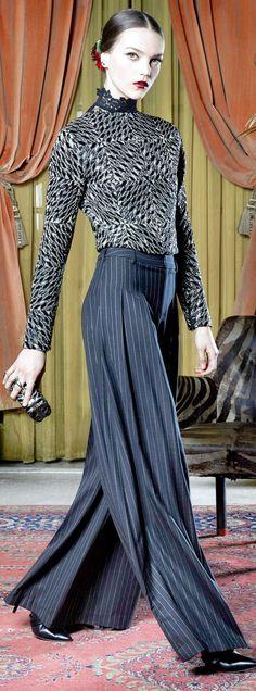 Alice + Olivia Fall 2015 Ready-to-Wear Fashion Show Runway Fashion, High Fashion, Fashion Show, Fashion Black, Paris Fashion, Women's Fashion, Fashion Trends, Alice Olivia, Passion For Fashion