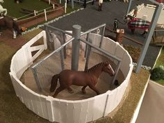 toy hot This is very cool. Whoever made or got this, it is awesome. Toy Horse Stable, Schleich Horses Stable, Horse Stables, Horse Barns, Horse Bedding, Bryer Horses, Horse Accessories, Hobby Horse, Horse Crafts