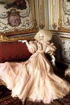 Grace Coddington http://royboticsteez.blogspot.co.uk/2007/10/grace-coddington.html #rococco return <3