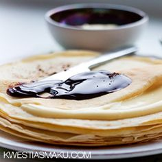 Tiramisu pancakes with chocolate sauce Tiramisu Pancakes, Crepes, Fritters, Waffles, Chocolate, Breakfast, Ethnic Recipes, Food, Kitchen