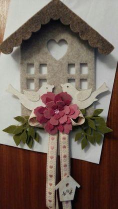 Casetta flores ornamenti feltro feltro e cucito for Ornamenti casa