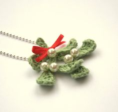 Christmas necklace Mistletoe kiss love gift for her traditional decor English Winter Weddings decoration green white red mint wool home