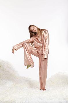 Cynthia Rowley Spring 2017 Ready-to-Wear Fashion Show 2e75c260b8fc
