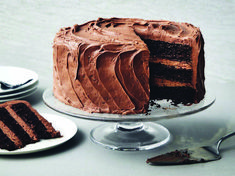 This beauty has everything you want in a perfect chocolate cake—a simple, stir-together batter infused with velvety melted chocolate; a no-fail cream . Ultimate Chocolate Cake, Perfect Chocolate Cake, Food Cakes, Cupcake Cakes, Just Desserts, Dessert Recipes, Spring Desserts, Chocolate Cream Cheese Frosting, Cream Frosting