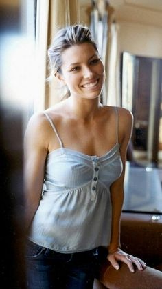 Sexy actress heats up every role she's in. Jessica Biel - Photo and Image Gallery of the Sexy Actress Beautiful Celebrities, Most Beautiful Women, Beautiful Actresses, Beautiful People, Pretty People, Jessica Biel, Actress Jessica, Celebrity Pictures, Celebrity Bodies
