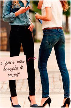 Looks // Inspiração // Para o Trabalho // Calça Jeans // Preta // Camisa Branca // Camisa Jeans // Cinto Fino Vermelho // Salto // Lindo // Básico // ♥