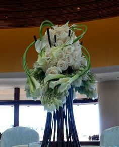 white wedding flowers centerpiece