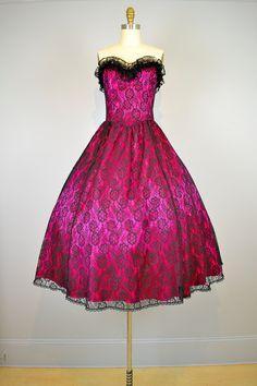 SALE... Gunne Sax Dress.  1970s dress. 1950s Style Strapless Sweetheart Lace Full Skirt Party Prom Dress. $108.00, via Etsy.