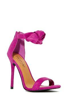 { fuschia heels }