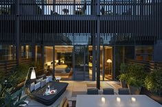 Patricia Urquiola añade color en las nueva suites del hotel Mandarin Oriental Barcelona.   diariodesign.com
