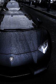 Aventador- gets sexier in the rain!