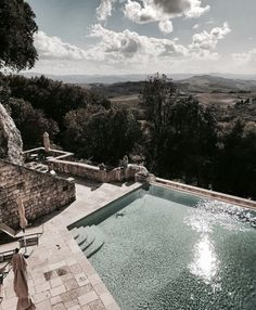 Love this pool with a view - the perfect place for summertime The Places Youll Go, Places To Go, Pool Garden, Travel Around The World, Around The Worlds, Pretty Pictures, Trip Planning, Exterior Design, Adventure Travel