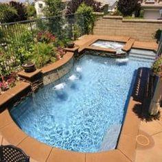 Vorrei una piccola piscina. Mi piace nuotare in estate.