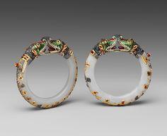 Pair of Jade Bracelets c. century Mughal period India jade with gold, enamel, and stone inlays Jade Jewelry, Glass Jewelry, Jewelry Art, Jewelry Accessories, Jewelry Design, Quartz Jewelry, Tribal Jewelry, Ancient Jewelry, Antique Jewelry