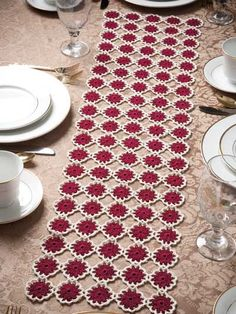 Free Crochet Pattern -- Garnet Roses Table Runner
