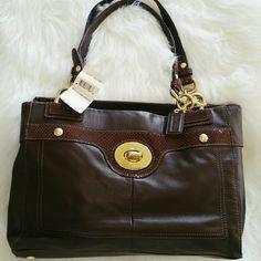 "SALE New Authentic Brown Leather Coach Bag Gorgeous Brown Leather Coach Bag. Gold Accents 14"" W x 8"" H Outside Back Pocket Coach Bags Shoulder Bags"
