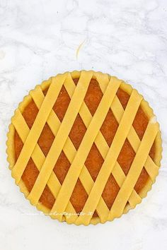 Crostata di marmellata pronta per il forno - Ricetta Crostata alla marmellata