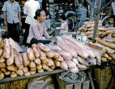 Bread Vendor @ My Tho Market 1969 Chinese Martial Arts, My Tho, South Vietnam, Old Images, Street Photo, Hanoi, Retro Wallpaper, Photographs, Vibrant