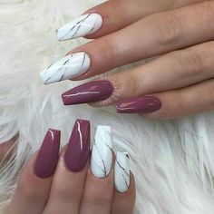 5 Coffin Nail Designs for Long Nails to Make You Stand Out Many women waste a lot of time choosing the right nail design. Check out these 5 coffin nail designs that will make you stand out. Gorgeous Nails, Love Nails, Fun Nails, Sassy Nails, Marble Acrylic Nails, Cute Acrylic Nails, Faux Ongles Gel, Maroon Nails, Dark Pink Nails