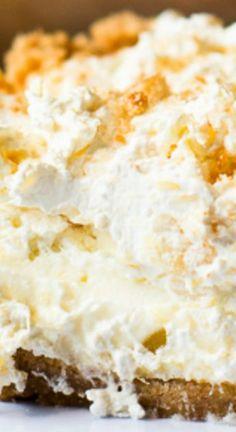 Pineapple Dream Pie Recipe Pineapple Dream Pie ~ It is truly outstanding Köstliche Desserts, Delicious Desserts, Dessert Recipes, Yummy Food, Pineapple Desserts, Pineapple Recipes, Pineapple Cheesecake, Pineapple Dream Pie Recipe, Pineapple Pie