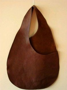 bonnie cashin for coach body bag sac brown leather rare museum archive piece vtg Coach Handbags, Coach Purses, Purses And Bags, Coach Bags, Leather Purses, Leather Handbags, Leather Bags, Leather Totes, Leather Backpacks