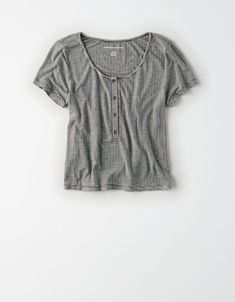 Shop the latest styles of T Shirts for Women at American Eagle. Our polo, short sleeve and long sleeve t shirts are comfortable, trendy, and a must-have for your closet. Cute Teen Shirts, Shirts For Teens, Dress Shirts For Women, Clothes For Women, Fall Clothes, American Eagle Outfits, American Eagle Shirts, Summer Fashion Outfits, Cool Outfits