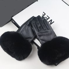 rabbagash.com Touch Screen Ladies Leather Gloves Elegant design and attractive craftsmanship. Ergonomic finger design, greater flexibility, and comfort. The touchscreen phone is easy to use. Make a Style Statement everywhere you go. Keeps your hand warm and comfortable when riding.