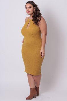 #Curvysense #mustard #dress #midi #mididress #keyhole #curves #curvy