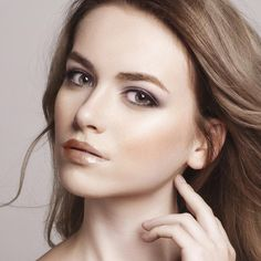 Learn how to create a beautiful lit-from-within makeup look in 10 easy steps!
