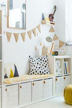 Anzeige// Unser Spielzimmer und 6 Dinge, die jeden Raum im Handumdrehen dazu mac… Advertisement // Our playroom and 6 things that turn any room into an instant plus Ikea hack for dots: ‹fräulein flora PHOTOGRAPHY Ikea Hack Kids, Ikea Kids Room, Ikea Hacks, Diy Hacks, Bedroom Hacks, Ikea Bedroom, Bedroom Ideas, Baby Zimmer Ikea, Baby Room Boy