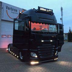 Show Trucks, Big Trucks, Mit License, Large Truck, Truck Art, Custom Trucks, Exotic Cars, Muscle Cars, Diesel