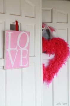 LOVE Valentines Sign + feather boa wreath #valentinesday #craft
