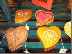 Woodworker, Darin Becks box hearts.