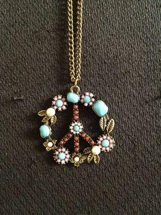 green stone woven pearl earrings #pursepod www.pursepod.com Tres Bleu www.pursepod.com/...