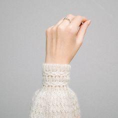 Beginner Crochet Projects, Crochet For Beginners, Crochet Scarves, Knit Crochet, Knitting Patterns, Crochet Patterns, Mittens, Lace Skirt, Eminem