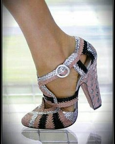 31b5d8ec49e 8 mejores imágenes de Zapatos de tacón de 7 cms