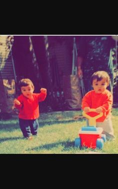 Grayson and Ethan Dolan as babies